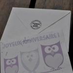 Carte Joyeux anniversaire modèle hibou violet