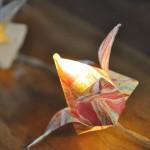 Guirlande électrique origami bouton de lotus marbré - détail