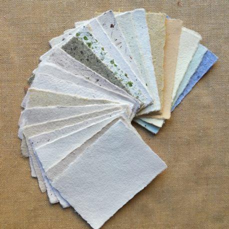 Echantillons de papiers artisanaux