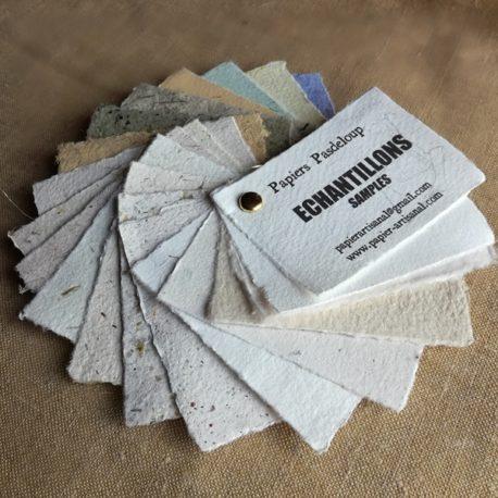 Echantillons de papiers artisanaux faits main