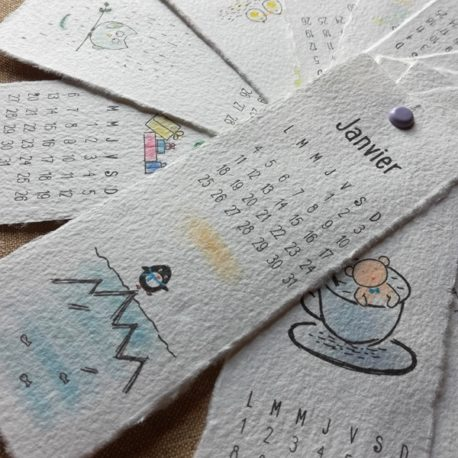 Calendrier sur papier fait main