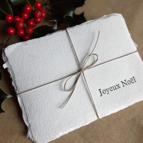 """Carte typographiée """"Joyeux Noël"""" sur papier fait main"""