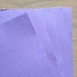 Papier artisanal fait main couleur Lavande